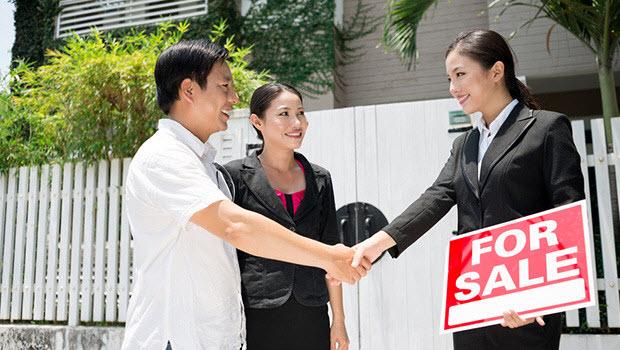 Menggunakan Jasa Realtor Saat Menjual Rumah