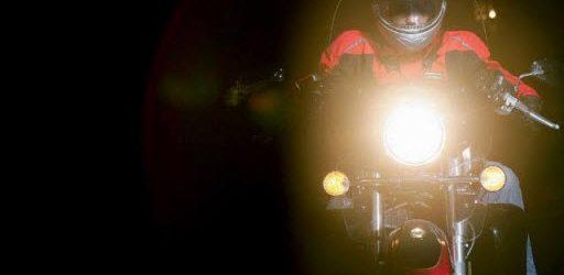 Tips Aman Berkendara Motor di Malam Hari